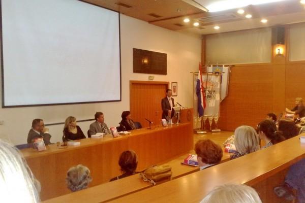 """Predstavljena knjiga """"Hitna stanja u pedijatriji"""" autora Julija Meštrovića sa suradnicima"""