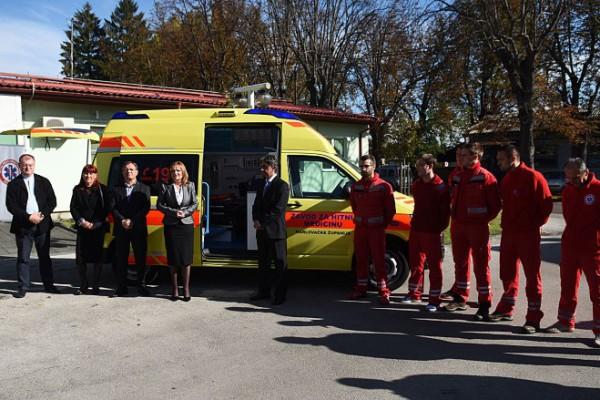 Zavod za hitnu medicinu Karlovačke županije dobio novo vozilo