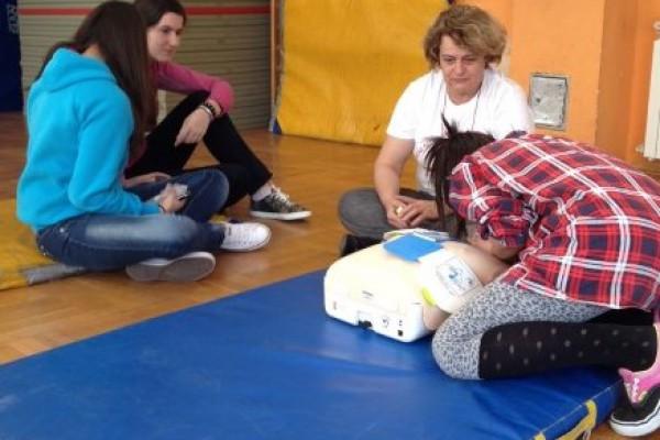 """""""Pokreni srce-spasi život"""": U Drvodjeljskoj školi edukacija o postupcima oživljavanja"""