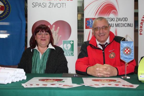 """""""Pokreni srce-spasi život"""": Automatski vanjski defibrilatori dodijeljeni Hrvatskoj gorskoj službi spašavanja"""