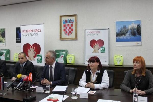 """""""Pokreni srce-spasi život"""": Ministarstvo pomorstva, prometa i infrastrukture dobilo 52 automatska vanjska defibrilatora"""