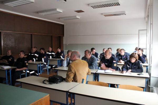 Nastavljena edukacija pripadnika Državnih intervencijskih postrojbi DUZS- za rad s automatskim vanjskim defibrilatorom