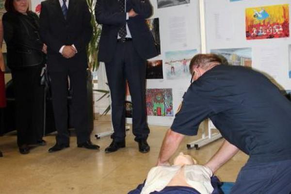 """""""Pokreni srce-spasi život"""" – Automatski vanjski defibrilatori dodijeljeni Državnoj upravi za zaštitu i spašavanje i vatrogascima na jadranskim otocima"""